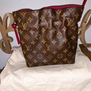 🇫🇷 Louis Vuitton noe pouch